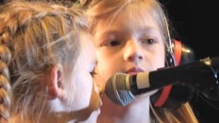 Download The Clarks ″Shimmy Low″ featuring, ″Clarks kids″ Heinz Field 9-4 -15 Video