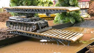 Download RC MODEL SCALE BRIDGE LAYER TANK IV IN DETAIL AND DEMONSTRATION!! *RC MILITARY VEHICLES Video