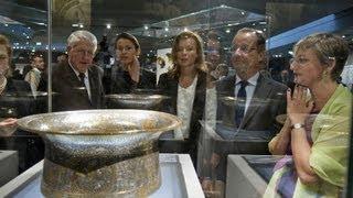 Download Louvre opens Islamic culture exhibit Video