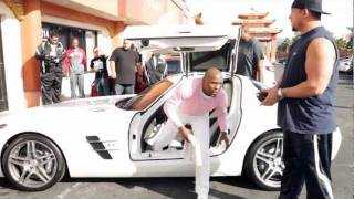 Download Floyd Mayweather $100,000 donation at his gym Las Vegas Videographer Video