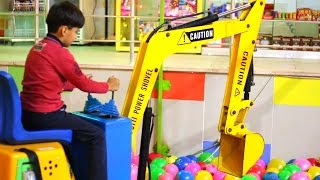 Download Excavator truck backhoe truck video for children kids toddlers and little boys Video