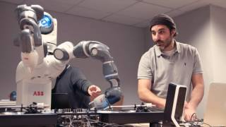 Download Ford Robot hits the decks with DJ Yoda Video