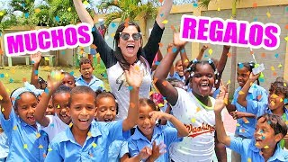 Download REGALOS PARA UNA ESCUELA ENTERA ! El Mundo de Camila Guiribitey Video