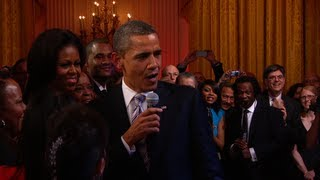 Download President Obama Sings ″Sweet Home Chicago″ Video