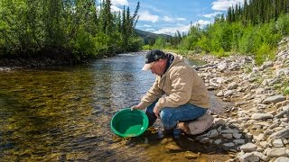 Download Gold Panning Like a Pro Video