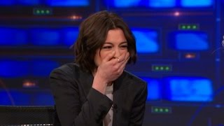 Download Watch Anne Hathaway Laugh Uncontrollably with Jon Stewart Video