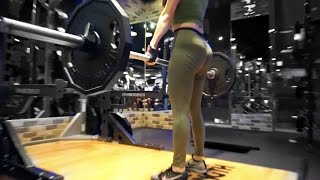 Download 犯賤性格練臀天 ft. Vida|失控增肌 ep.5 | vlog#36 Video