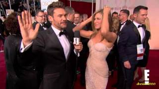 Download Reese Witherspoon Grabs Jennifer Aniston's Butt at at 2015 Oscars! Video