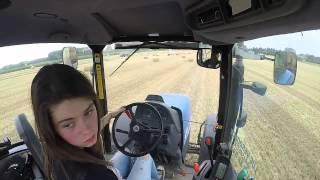 Download [GoPro] Ramassage de paille ! Florine au volant ! :D Video