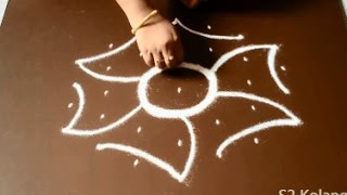Download easy rangoli designs with 7 to 4 Dots - simple kolam withs dots - chukkala muggulu designs Video