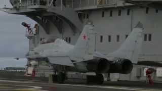 Download MiG-29K fighter jet pulls off extremely short takeoff Video