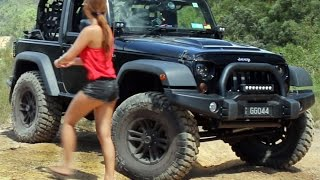 Download Jeep Wrangler JK on 37 inch tyres 3 inch lift offroading 4x4 Video