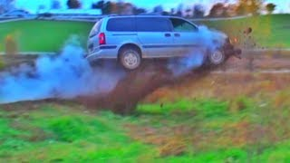Download Mini Van HUGE JUMP!!! Video