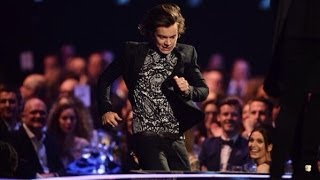 Download Harry Styles Fail Moment at The BRIT Awards 2014 Video