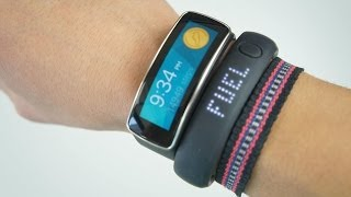 Download SAMSUNG Gear Fit vs NIKE Fuelband SE Video