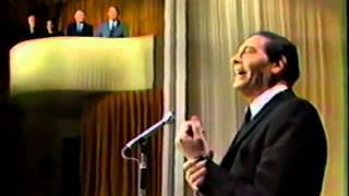 Download Henny Youngman heckles Milton Berle 1966 Video