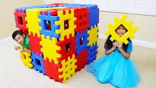 Download Wendy Pretend Play Building Toy Blocks Playhouse Video
