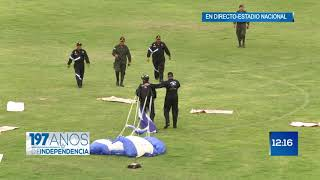 Download Llegada de paracaidistas al Estadio Nacional Video