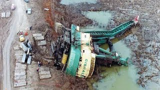 Download TOP IDIOTS Crazy Operator Heavy Equipment Skills - Bulldozer, Excavator Fail Win Compilation Video