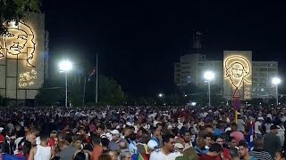 Download FULL. Multitudinario acto de despedida a Fidel Castro en la Plaza de la Revolución. Video