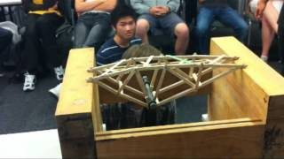 Download Record Truss Bridge 2012 - University of Auckland Engineering Video