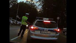 Download Kontrola trzeźwości. Policjant dmucha, wszyscy równi. Video