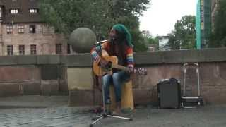 Download AWESOME STREET MUSICIAN SINGS - No Woman, No Cry Video