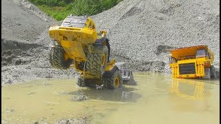 Download RC CONSTRUCTION VEHICLES RESCUE! RC VOLVO EQUIPMENT RESCUE! VOLVO LOADER STUCK! RC LIVE ACTION 2017 Video