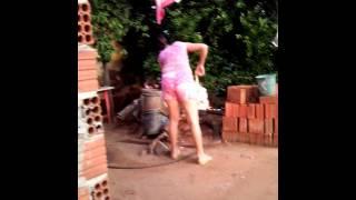 Download Matando galinha Video