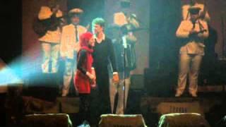 Download Latif & Mersiha [zaprosio djevojku na koncertu Balaševića] Video