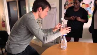 Download Un tour en 2 minutes grâce à l'illusionniste Luc Langevin Video