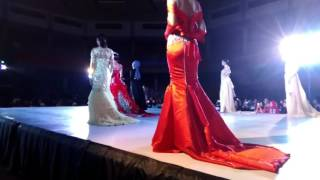 Download BUNGA JELITHA IBRANI, catwalk manjha MISS UNIVERSE INDONESIA 2017 Video