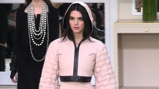 Download Fashion week de Paris: le défilé Chanel Video