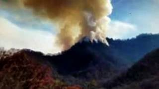 Download Great Smoky Mountain National Park Fire engulfs towns nearby! Video