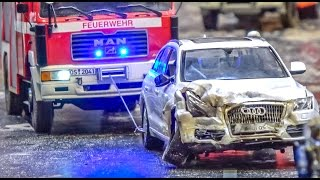 Download RC truck and car dangerous goods CRASH! Big rescue action! Video