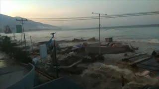 Download Palu: Dramatic footage of Tsunami Video