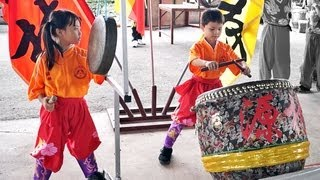 Download LION DANCE DRUMMING - Youngest Drummer Gong and Cymbals formed by Children Video