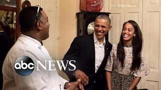 Download Malia Obama Steps In for Dad Video