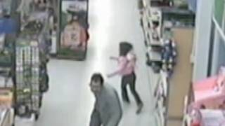 Download Girl Escapes from Alleged Kidnapper in Walmart: Caught on Tape | Good Morning America | ABC News Video