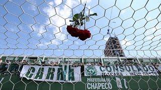 Download Brésil : la ville de Chapeco anéantie après la catastrophe aérienne Video