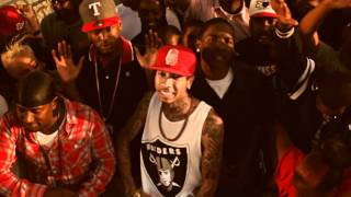 Download YG - Bitches Aint Shit feat Tyga & Nipsey Hussle Video
