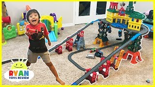 Download THOMAS & FRIENDS SUPER STATION Playset! BIGGEST Thomas Toy Trains Playset ever!!! Video