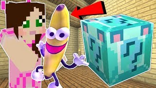 Download Minecraft: DIAMOND WOLF LUCKY BLOCK!!! (BANANA MAN, DISAPPEARING ITEMS, & MORE!) Mod Showcase Video