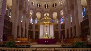 Download Saint Anne de Beaupre Basilica of Quebec City Video