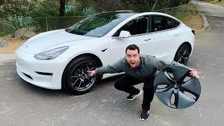 Download Top 10 AMAZING Features Of The Tesla Model 3 Video