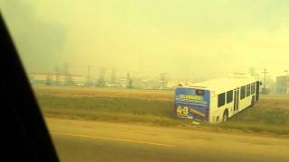 Download Last minutes driving out a burning nightmare of Fort McMurray Video