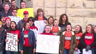 Download Elyria students sing together during national school walkout Video