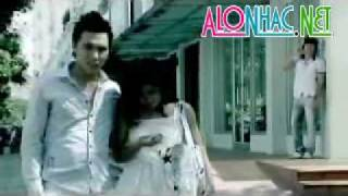 Download Vua Hon Anh Vua Khoc- Vy Thuy Van Video