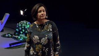 Download Faire face à la critique: mode d'emploi | Isabelle Goudé | TEDxSaclay Video