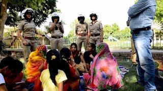 Download Policiais indianas em defesa das mulheres Video